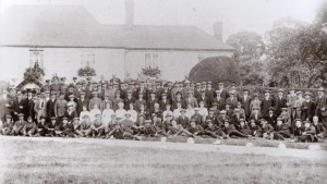 Gathering of ex servicemen from the First World War, outside Mill farm, Guarlford Road, 1919