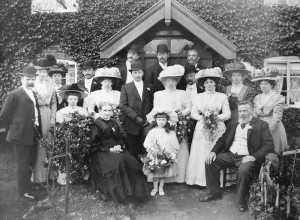 Marriage of John Henry Tandy and Mary (Polly) Drew 1909 in front of Barbers Hill Cottage on the corner of Pound Bank Road and Bellars Lane